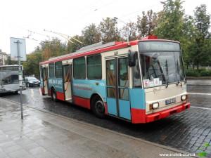 6 maršruto troleibusas (važiavęs 15 maršruto trasa) ne tik su švieslente, bet ir su 3 trafaretais