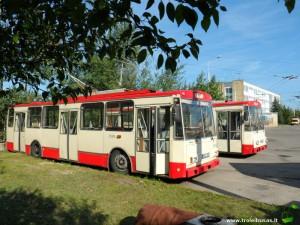 Du parduodami troleibusai - BNA 487 ir BNA 569